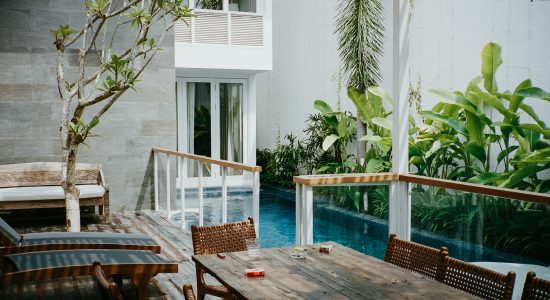 Belle terrasse en bois composite